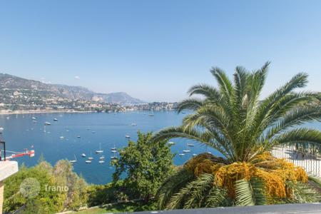 Luxury 4 bedroom houses for sale in Côte d'Azur (French Riviera). Nice Mont Boron, lovely 220 m² villa with superb sea view