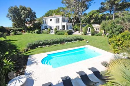6 bedroom houses for sale in Biot. Villa – Biot, Côte d'Azur (French Riviera), France