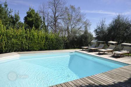 Villas and houses to rent in Casciana Terme Lari. Villa Poggetto
