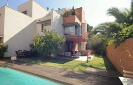 Property for sale in Madrid (city). Cottage with a swimming pool and a terrace in the district of Aravaca, Madrid, Spain