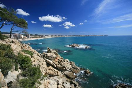 3 bedroom houses by the sea for sale in Sant Feliu de Guixols. Town house Costa Brava