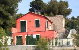 Property for sale in Diano Castello. We are delighted to offer for sale a new villa only 4 km from the sea, in Liguria
