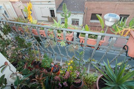 Cheap residential for sale in Barcelona. Flat for sale with balcony in Badalona