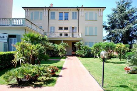 2 bedroom apartments by the sea for sale in Bordighera. Apartments in Bordighera, Italy