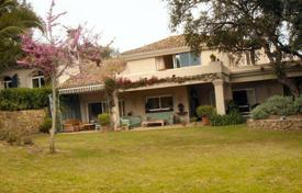 4 bedroom houses for sale in Castille and Leon. Villa in exclusive guarded community