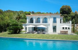 Luxury 5 bedroom houses for sale in Cannes. Cannes — Californie — Exclusive property