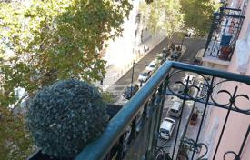 Apartments for sale in Lisbon. Three-bedroom apartment with balcony, Saldanha, Portugal