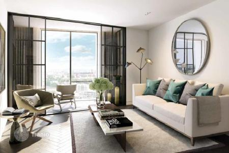 Luxury residential for sale in Europe. Apartments in a new residential complex with views of the Thames and central London, in the popular district of Lambeth