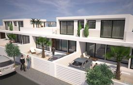 Townhouses for sale in Murcia. Townhouse with private pool in San Pedro del Pinatar