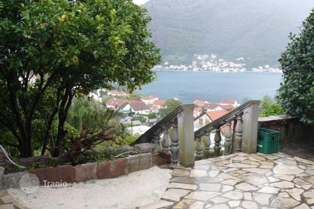 Coastal houses for sale in Herceg-Novi. Magnificent three-storey villa in Herceg-Novi
