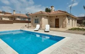 Houses with pools for sale in Souni-Zanakia. Villa – Souni-Zanakia, Limassol, Cyprus