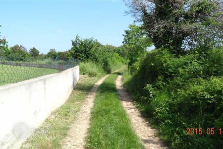 Coastal development land for sale in Ližnjan. Building land Urbanized plot for sale