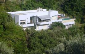 5 bedroom houses for sale in Nice. Luxury villa with a private plot and terraces next to the city center, Nice, France