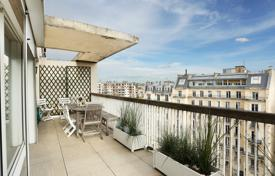 Paris 16th District – A superb apartment with a terrace commanding stunning views for 1,390,000 €