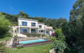 Luxury 3 bedroom houses for sale in Côte d'Azur (French Riviera). Close to Cannes — Gated domain