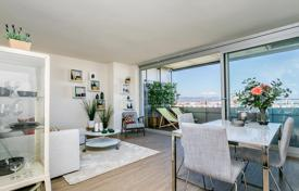 Apartments with pools for sale in Barcelona. New three-bedroom apartment with good views in Diagonal Mar, Barcelona, Spain