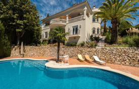 4 bedroom houses for sale in Costa del Sol. Remarkable Luxurious Villa in Marbella Hill Club, Golden Mile, Marbella