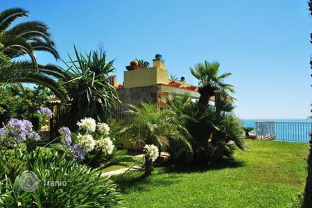 Residential for sale in Ventimiglia. Villa in Ventimiglia, Italy