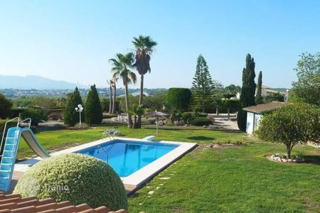 Luxury 3 bedroom houses for sale in Alicante. Luxury villa of 3 bedrooms with a large private garden of 6,500sqm and pool in Altea