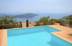 4 bedroom houses for sale in Villefranche-sur-Mer. Villa with panoramic sea views at Villefrance-sur-mer