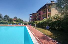 Apartment with a swimming pool in Desenzano for 350,000 €