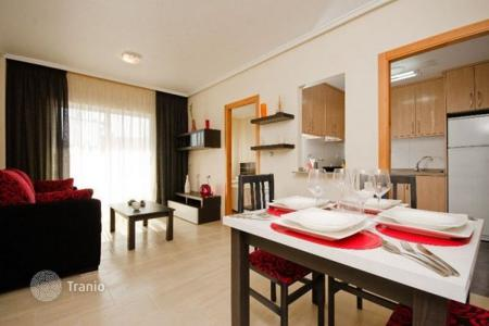 Cheap apartments for sale in Valencia. Furnished apartment, near the promenade, in Torrevieja, Alicante, Spain