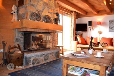 Cheap 5 bedroom apartments for sale in Auvergne-Rhône-Alpes. Apartment – Saint-Martin-de-Belleville, Auvergne-Rhône-Alpes, France