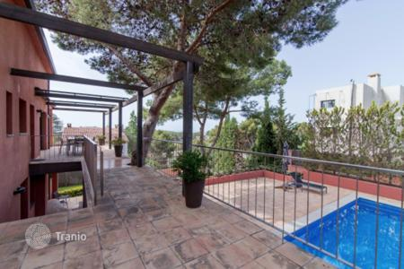 5 bedroom houses for sale in Costa del Garraf. Villa – Castelldefels, Catalonia, Spain