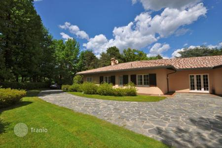 Luxury 4 bedroom houses for sale in Lake Como. Villa - Lake Como, Lombardy, Italy