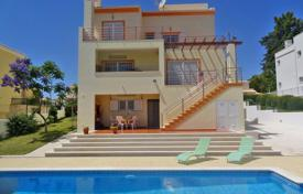4 bedroom houses for sale in Faro. Unique 4 Bedroom Villa on 3 Floors in Pêra with sea views