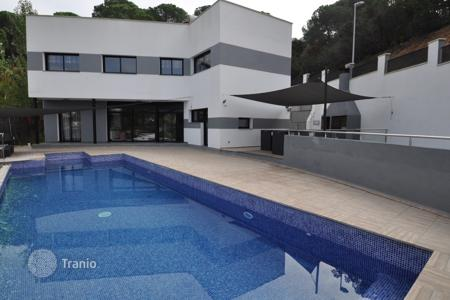 5 bedroom houses for sale in Lloret de Mar. Villa – Lloret de Mar, Catalonia, Spain
