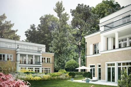 Luxury new homes for sale in Berlin. Exclusive 3-bedroom apartment with private garden in Berlin-Grunewald