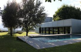 Two-storey villa with picturesque views, a garden and a swimming pool in a prestigious area, Olot, Spain for 850,000 €