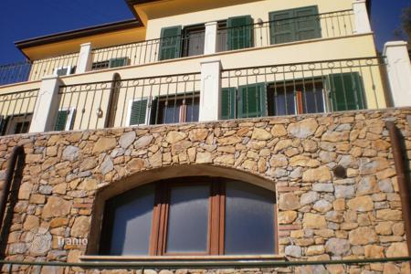 3 bedroom houses for sale in Italy. Townhome – Bordighera, Liguria, Italy