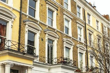 Residential/rentals for sale in the United Kingdom. Apartment building – Kensington, London, United Kingdom