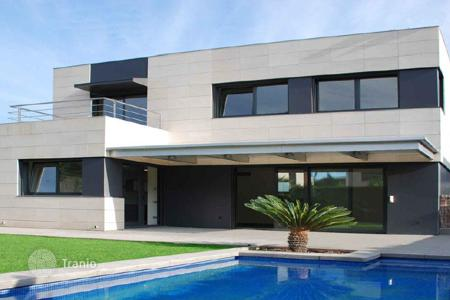 Coastal new homes for sale in Catalonia. New home - Sant Andreu de Llavaneres, Catalonia, Spain