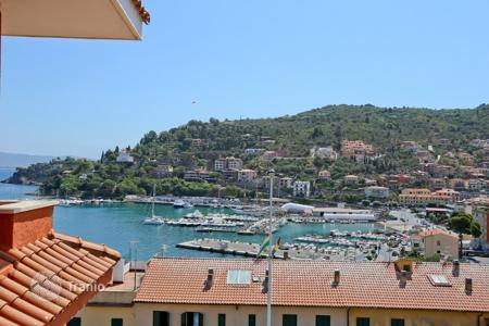 2 bedroom apartments for sale in Tuscany. Renewed apartment with seaviews in Porto Santo Stefano — Monte Argentario — Tuscany