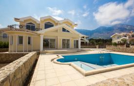Houses for sale in Lapta. Five-room villa of 280 m² (including terraces) is 50 meters from the sandy beach