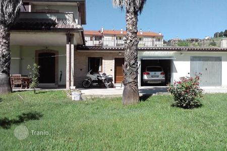 1 bedroom houses for sale in Europe. Country house in Notaresco, Abruzzo. Italy