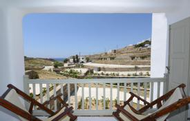 3 bedroom villas and houses to rent in Zakinthos. Sea view villa with garden and swimming pool, 80 m from the beach of Xygia, isle Zakynthos, Greece