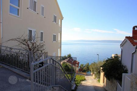 1 bedroom apartments by the sea for sale in Croatia. Furnished apartment with a terrace, 80 meters from the sea, in the village of Okrug Gornji on the island Ciovo