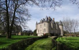 Chateaux for sale in Pays de la Loire. Castle – Le Mans, Pays de la Loire, France