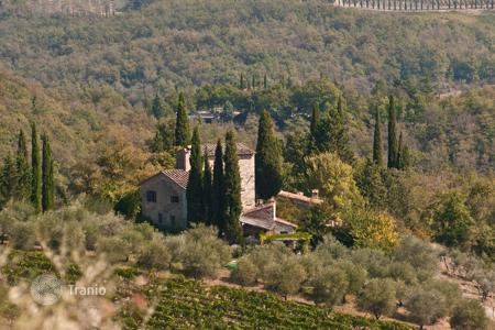 Villas and houses to rent in Volpaia. Villa – Volpaia, Tuscany, Italy