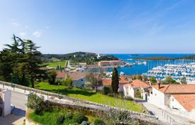 Coastal apartments for sale in Istria County. Apartment – Vrsar, Istria County, Croatia