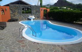 Villas and houses to rent in Canary Islands. Detached house – Tacoronte, Canary Islands, Spain
