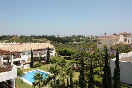 Cheap 3 bedroom apartments for sale in Estepona. Apartment – Estepona, Andalusia, Spain