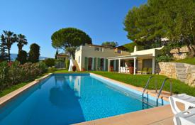 Renovated seaview villa with a garden, a tennis court, a pool and a garage, Nice, France for 1,355,000 €