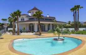 Luxury 6 bedroom houses for sale in Costa Blanca. Villa – L'Alfàs del Pi, Valencia, Spain