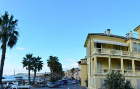 Luxury 4 bedroom apartments for sale in Italy. Apartment in Riva Ligure