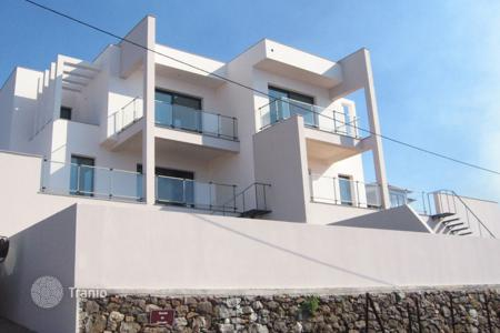 Apartments for sale in Madeira. Magnificent three bedroom townhouse in sunny Calheta